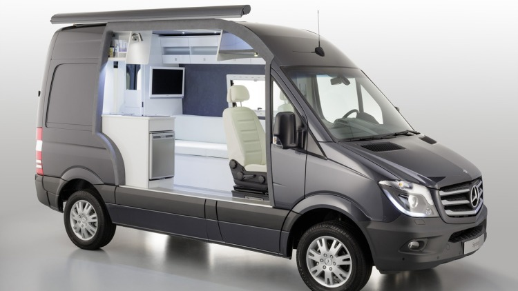 Mercedes benz classes up camper market with sprinter for Mercedes benz sprinter 4x4 motorhome