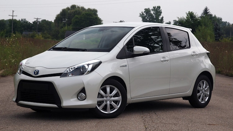 toyota increasing yaris hybrid production to 222 000 this year in france autoblog. Black Bedroom Furniture Sets. Home Design Ideas