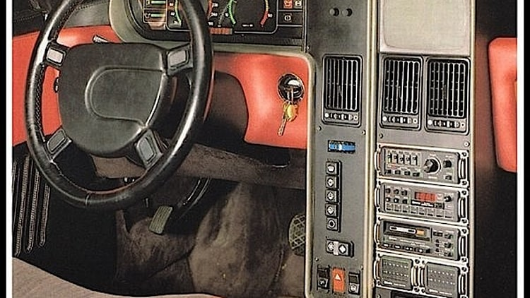 Eighties-style Mercedes infotainment tuning