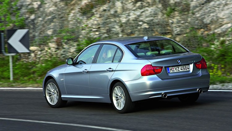 2009 bmw 3 series unveiled autoblog. Black Bedroom Furniture Sets. Home Design Ideas