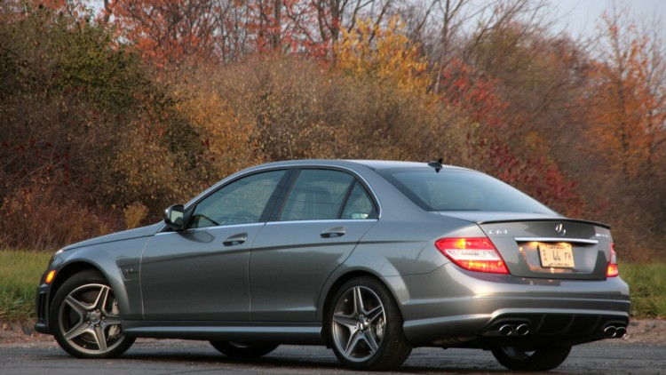 Review 2009 mercedes benz c63 amg autoblog for Mercedes benz c63 amg 2009