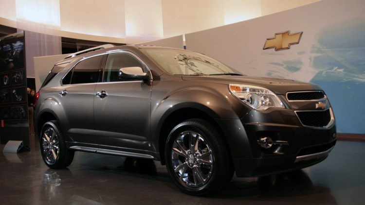 detroit preview 2010 chevrolet equinox debuts with direct injection autoblog. Black Bedroom Furniture Sets. Home Design Ideas