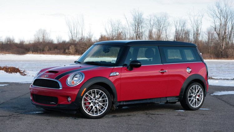review 2009 mini clubman john cooper works autoblog. Black Bedroom Furniture Sets. Home Design Ideas