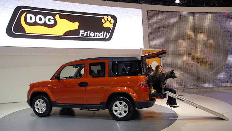 how to leave dog in honda element