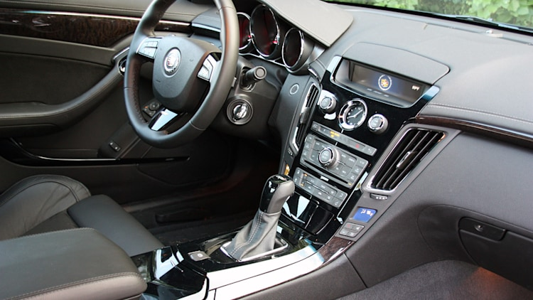 first drive 2011 cadillac cts v coupe is angular. Black Bedroom Furniture Sets. Home Design Ideas