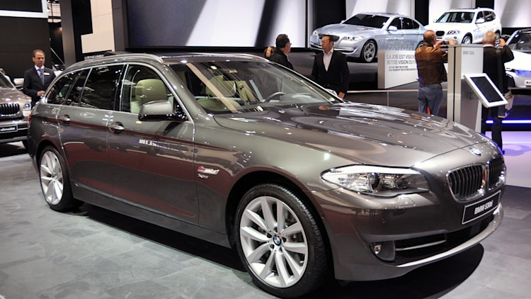 Paris 2010: BMW 5 Series Touring