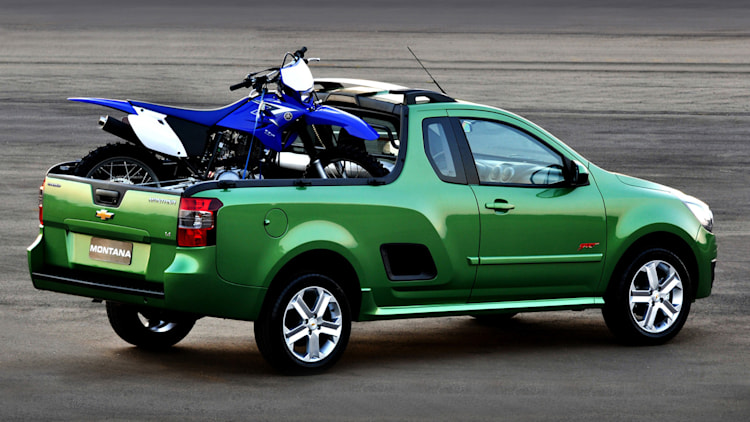 2011 chevrolet montana compact truck unveiled in south america autoblog. Black Bedroom Furniture Sets. Home Design Ideas