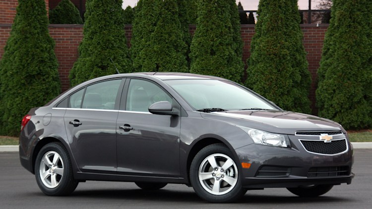 review 2011 chevrolet cruze 1lt autoblog. Black Bedroom Furniture Sets. Home Design Ideas