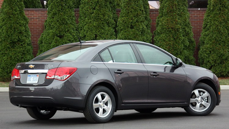 chevy recalling 293k cruze models over potential brake failure autoblog. Black Bedroom Furniture Sets. Home Design Ideas