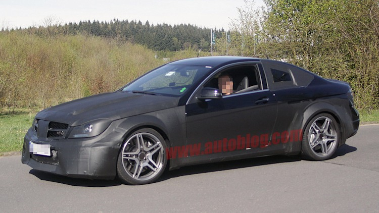 Spy Shots: Mercedes-Benz C63 AMG Coupe Black Series