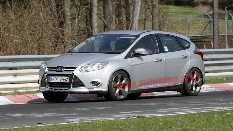 Spy Photos: Ford Focus ST