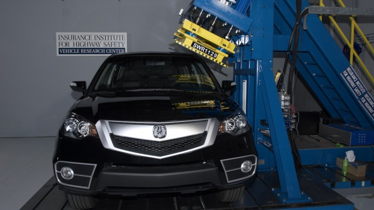 Acura RDX IIHS roof strength test