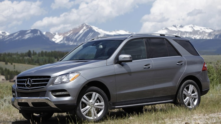 2012 mercedes benz ml350 bluetec 4matic w video autoblog for Mercedes benz ml350 bluetec