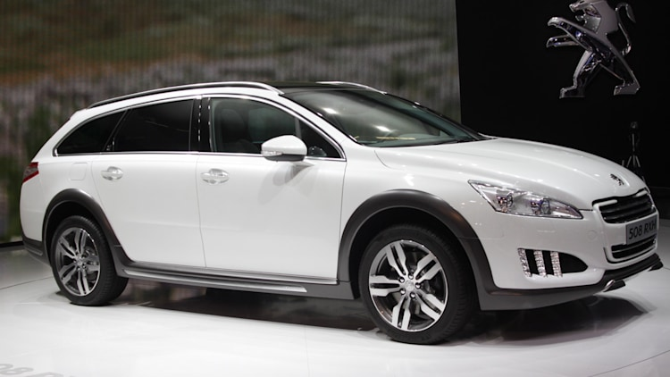 peugeot 508 rxh hybrid crossover sips down diesel gets 56 mpg autoblog. Black Bedroom Furniture Sets. Home Design Ideas