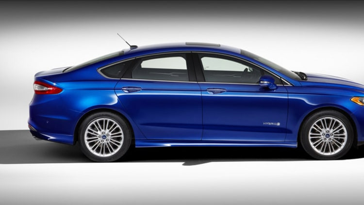 2013 ford fusion debuts along with 47 mpg fusion hybrid 100 mpge fusion ener. Cars Review. Best American Auto & Cars Review