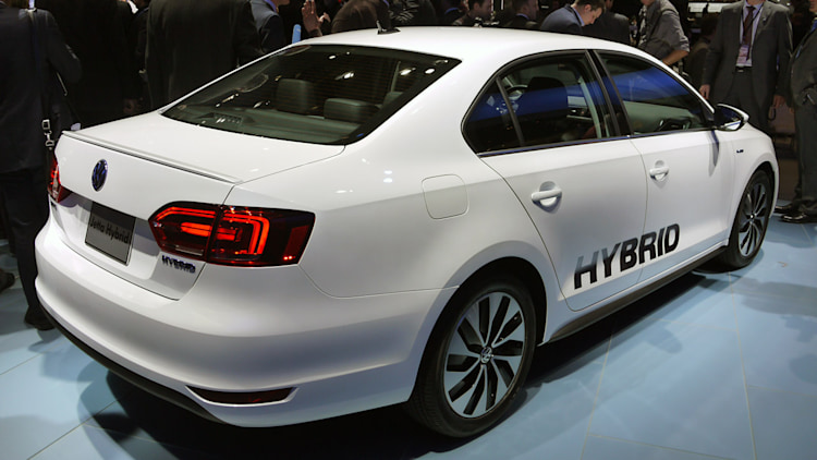 2013 volkswagen jetta hybrid debuts with projected 45 mpg combined rating autoblog. Black Bedroom Furniture Sets. Home Design Ideas