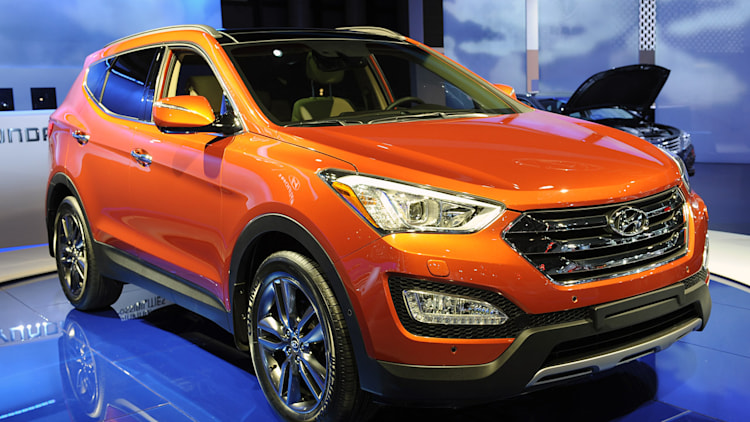 2013 Hyundai Santa Fe goes on big diet, unveils five and ...