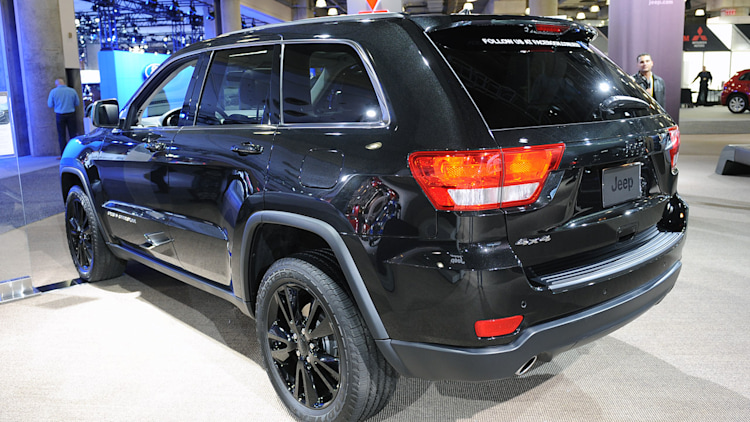 2012 jeep grand cherokee altitude new york 2012 photo gallery autoblog. Black Bedroom Furniture Sets. Home Design Ideas