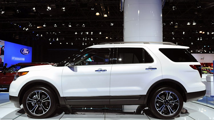 2013 ford explorer sport mugs for the camera in nyc autoblog. Cars Review. Best American Auto & Cars Review