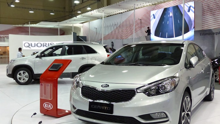 2013 Kia Cerato at the Santiago Motorshow in Chile