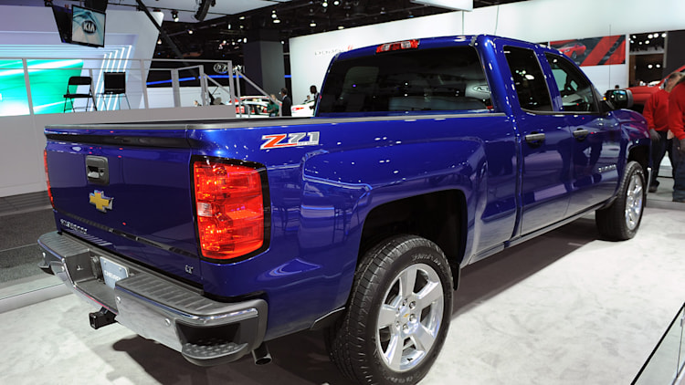 2014 chevrolet silverado z71 detroit 2013 photo gallery autoblog. Black Bedroom Furniture Sets. Home Design Ideas
