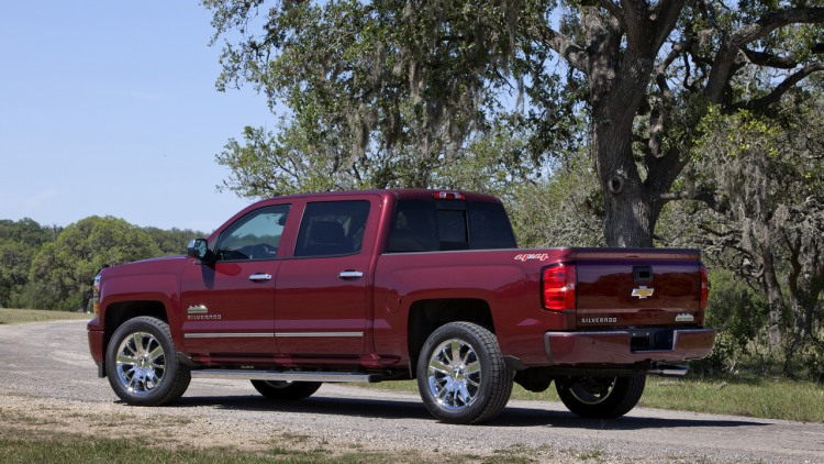 2014 Chevy Silverado High Country loads up with 45100 starting