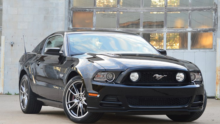 ford mustang v8 5.0 gt 2013