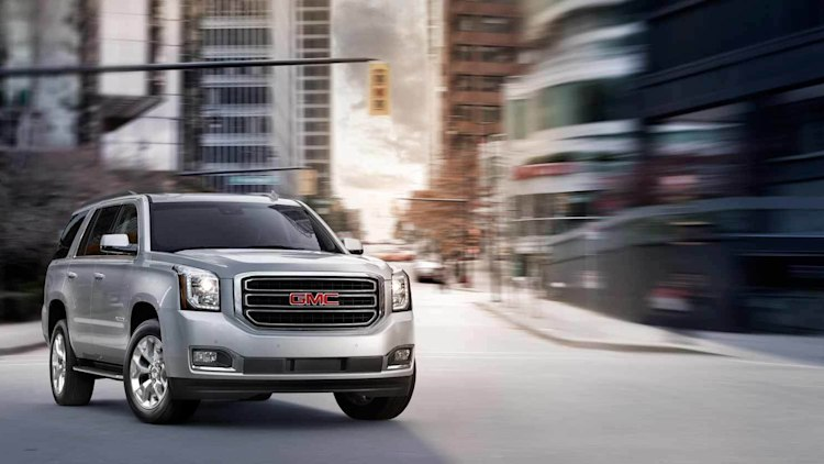 GMC Yukon in silver