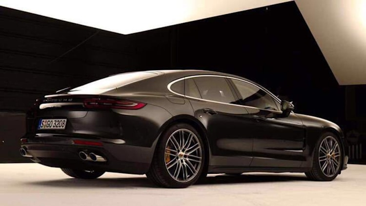 2017-porsche-panamera-leaked-photos-1-1.