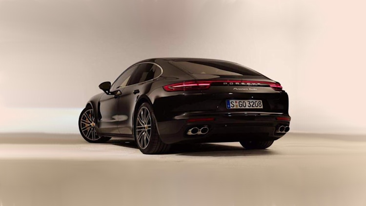 2017-porsche-panamera-leaked-photos-2-1.