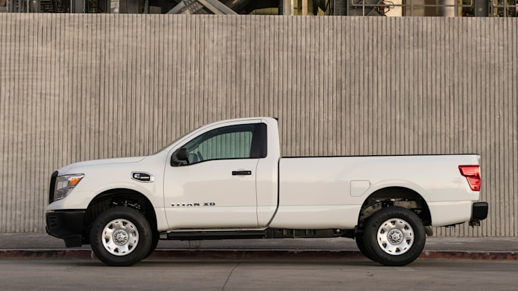 2017 nissan titan and titan xd get single cab versions autoblog. Black Bedroom Furniture Sets. Home Design Ideas