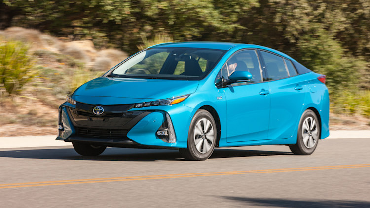 toyota every future prius might be a plug in hybrid autoblog. Black Bedroom Furniture Sets. Home Design Ideas
