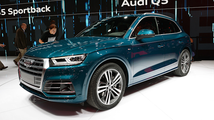 new audi q5 refines original model 39 s winning formula autoblog. Black Bedroom Furniture Sets. Home Design Ideas