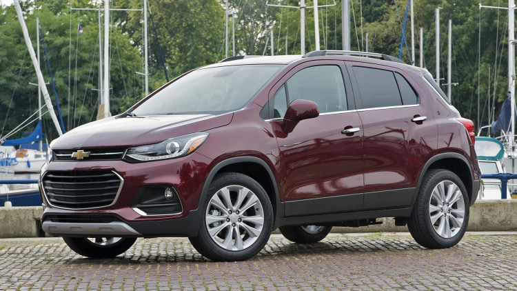 the basic baby crossover 2017 chevrolet trax first drive autoblog. Black Bedroom Furniture Sets. Home Design Ideas