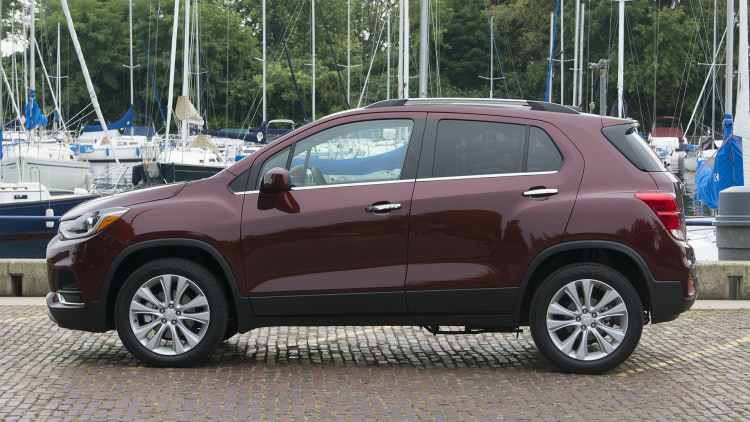 the basic baby crossover 2017 chevrolet trax first drive. Black Bedroom Furniture Sets. Home Design Ideas