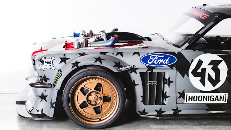 Ken block 39 s hoonicorn is back with two turbos and 1 400 horsepower autoblog - Hoonicorn specs ...