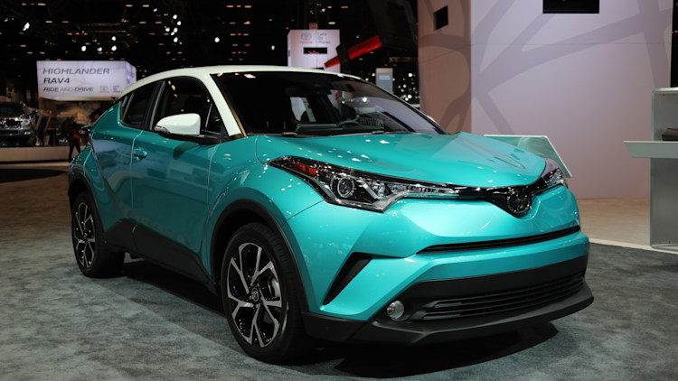 The 2018 Toyota C Hr Will Get A Contrasting Color Roof