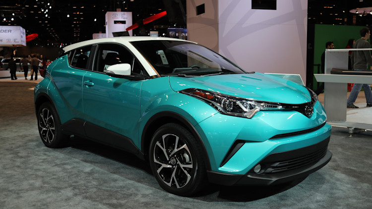 The 2018 Toyota C-HR will get a contrasting-color roof option, nifty teal paint - Autoblog