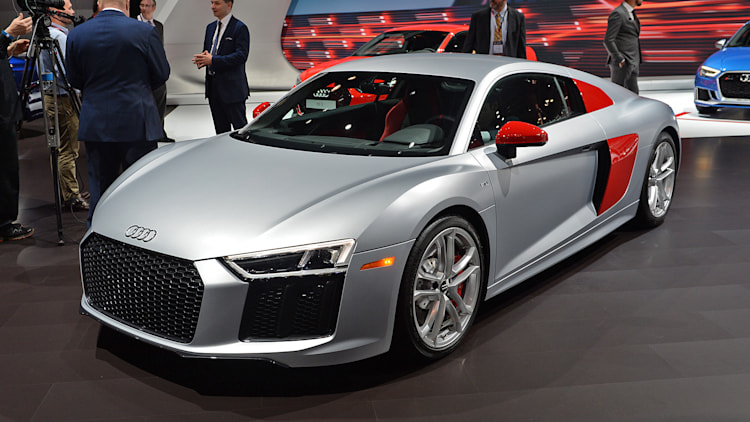 audi sport launches limited edition r8 but doesn 39 t add any. Black Bedroom Furniture Sets. Home Design Ideas