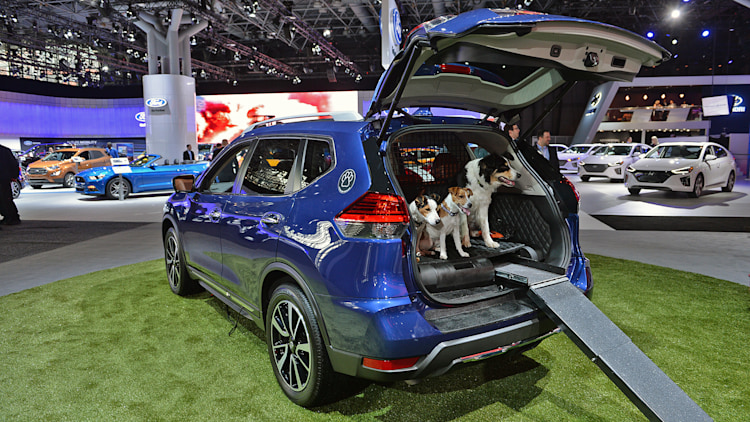 all the suvs of the new york auto show. Black Bedroom Furniture Sets. Home Design Ideas