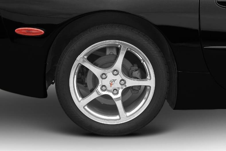 2003 Chevrolet Corvette Exterior Photo