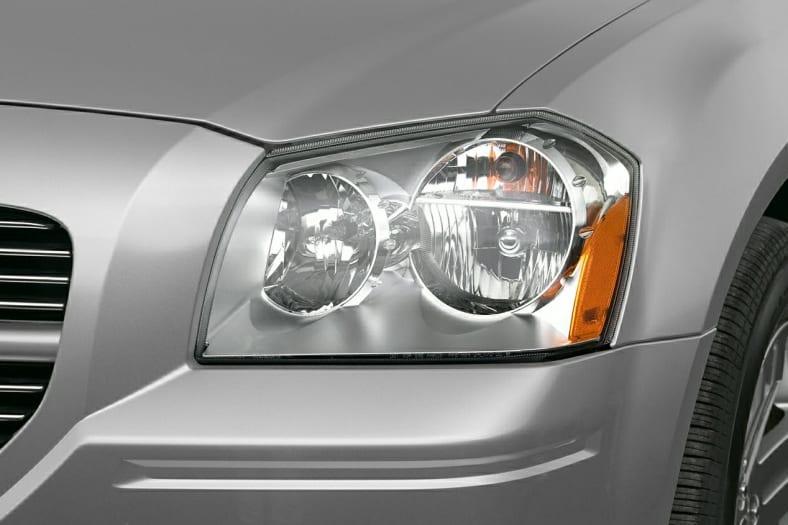2005 Dodge Magnum Exterior Photo