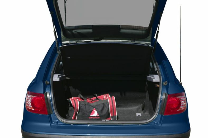 2005 Hyundai Elantra Exterior Photo