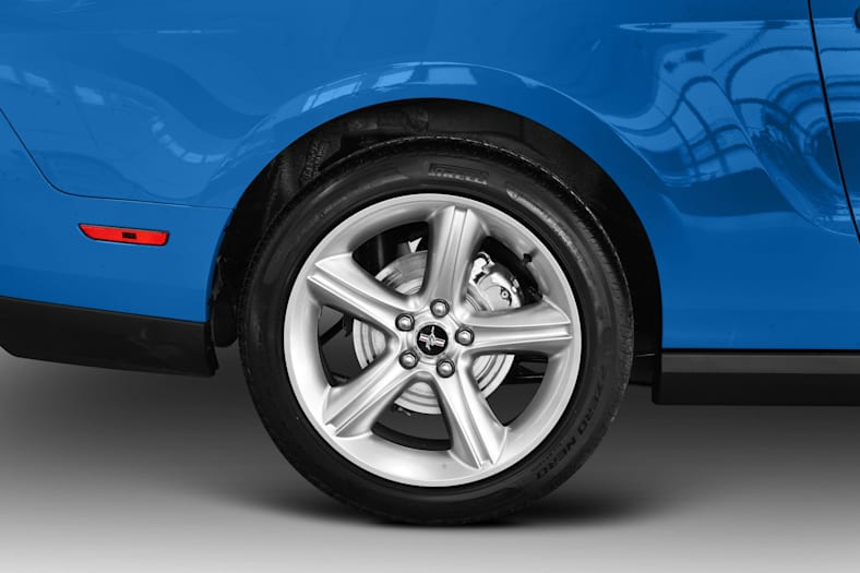 2010 Ford Mustang Exterior Photo