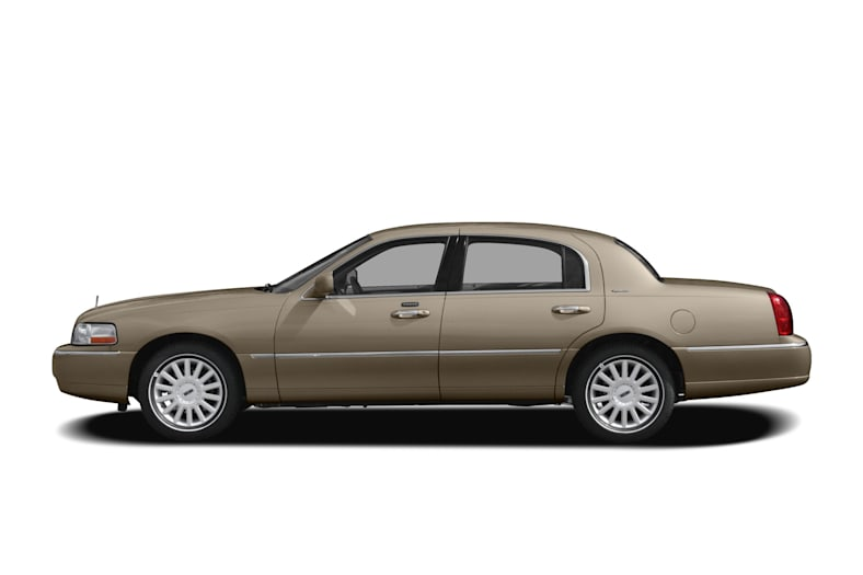 2011 Lincoln Town Car Exterior Photo