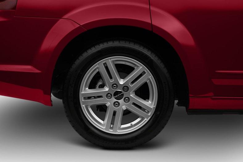 2012 Dodge Avenger Exterior Photo