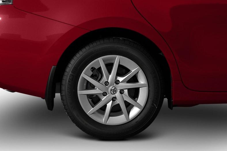 2012 Toyota Prius v Exterior Photo