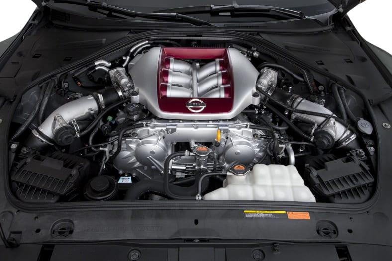 2014 Nissan GT-R Exterior Photo