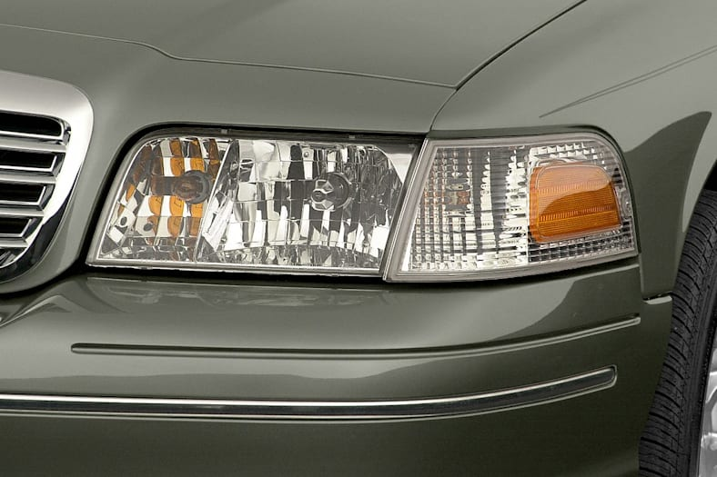 2001 Ford Crown Victoria Exterior Photo