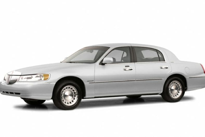 2002 Lincoln Town Car Exterior Photo